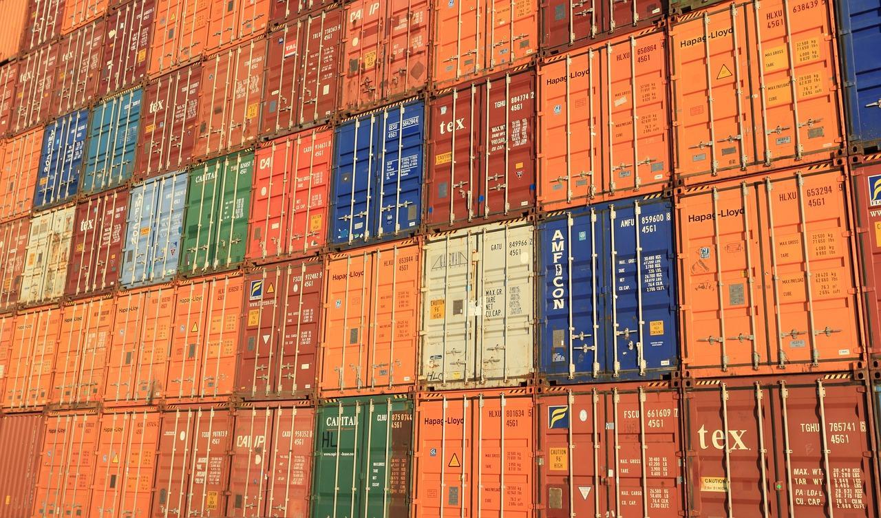 7~9月GDP、年率2.2%増 輸出主導で3四半期プラス