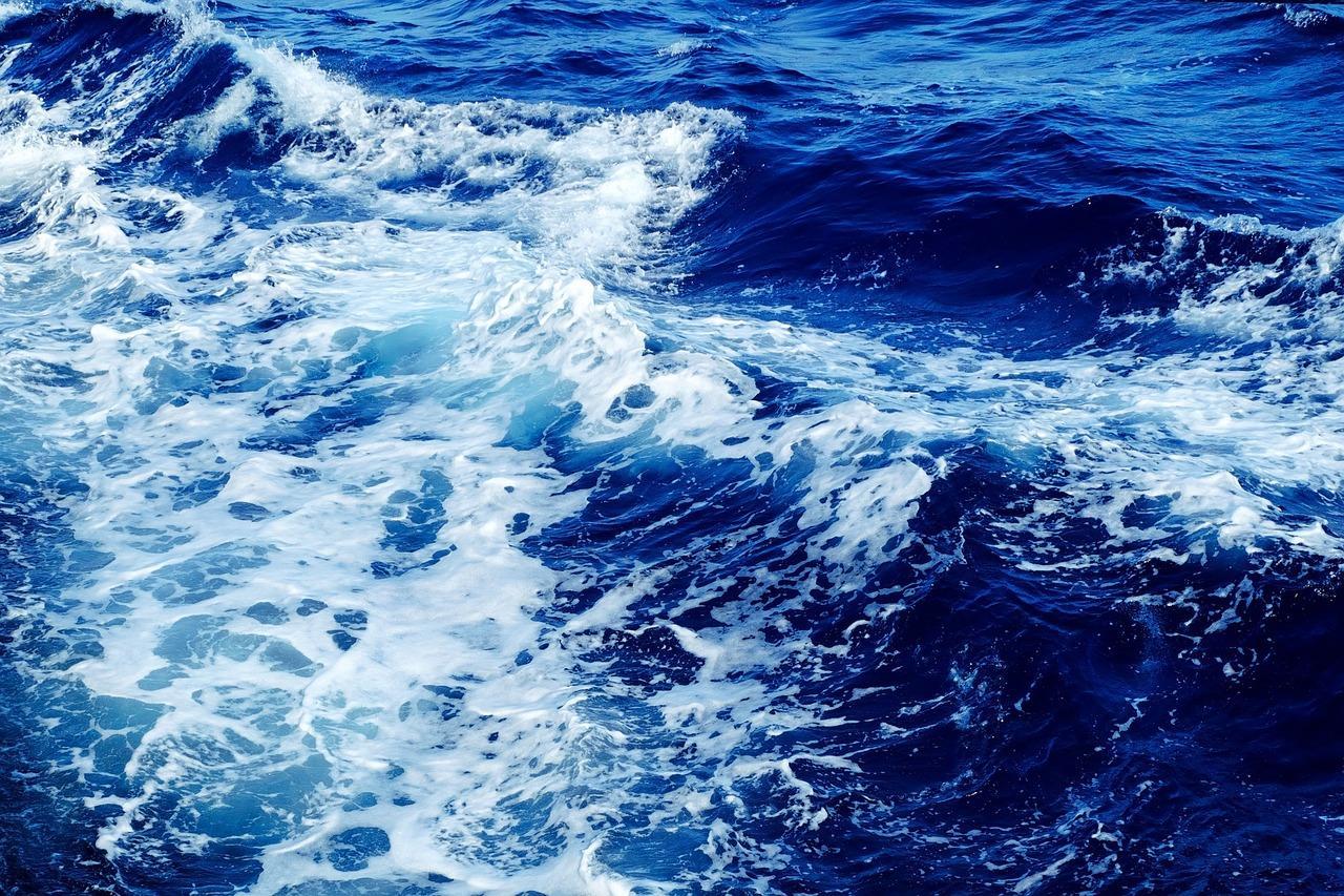 護衛艦「くらま」最後の舞鶴寄港…地球43・5周分を航行 19日に一般公開